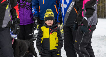 Family snowmobilers